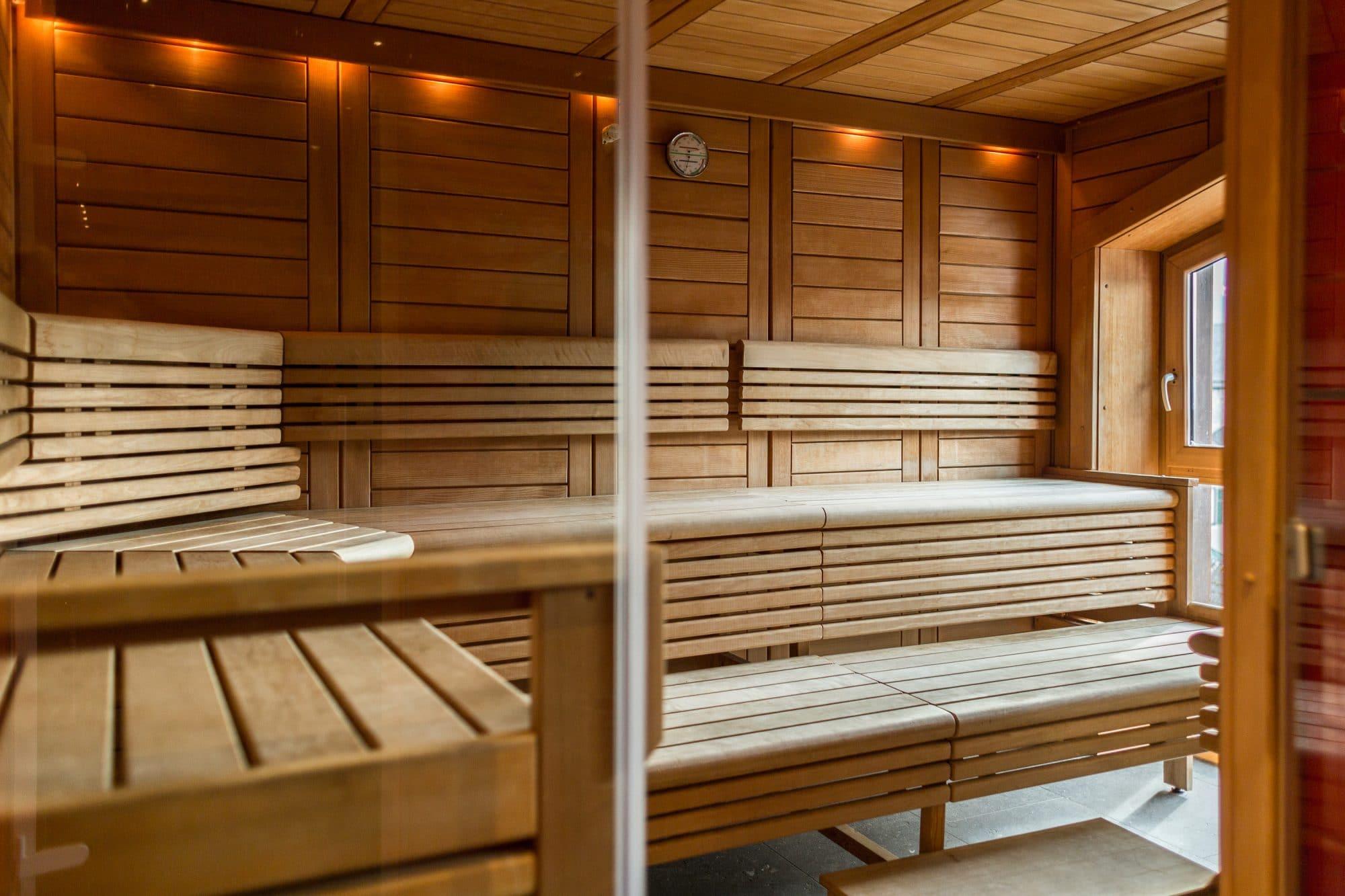 02-Finnische-Sauna-Wellness